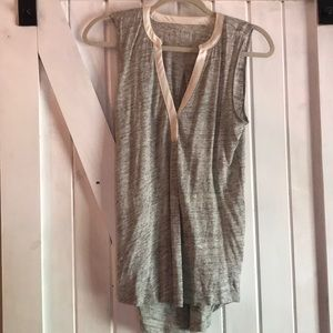 Gap sleeveless tank Henley w contrast trim small